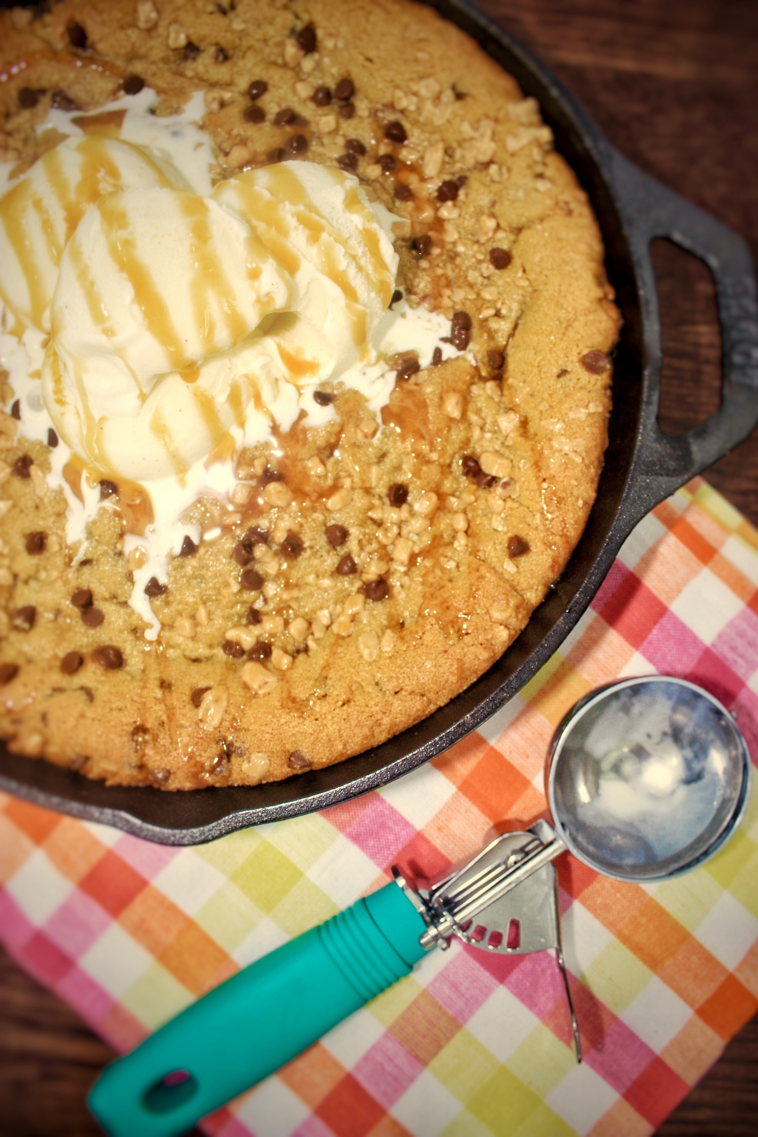 Toffee-skillet-cookie-recipe