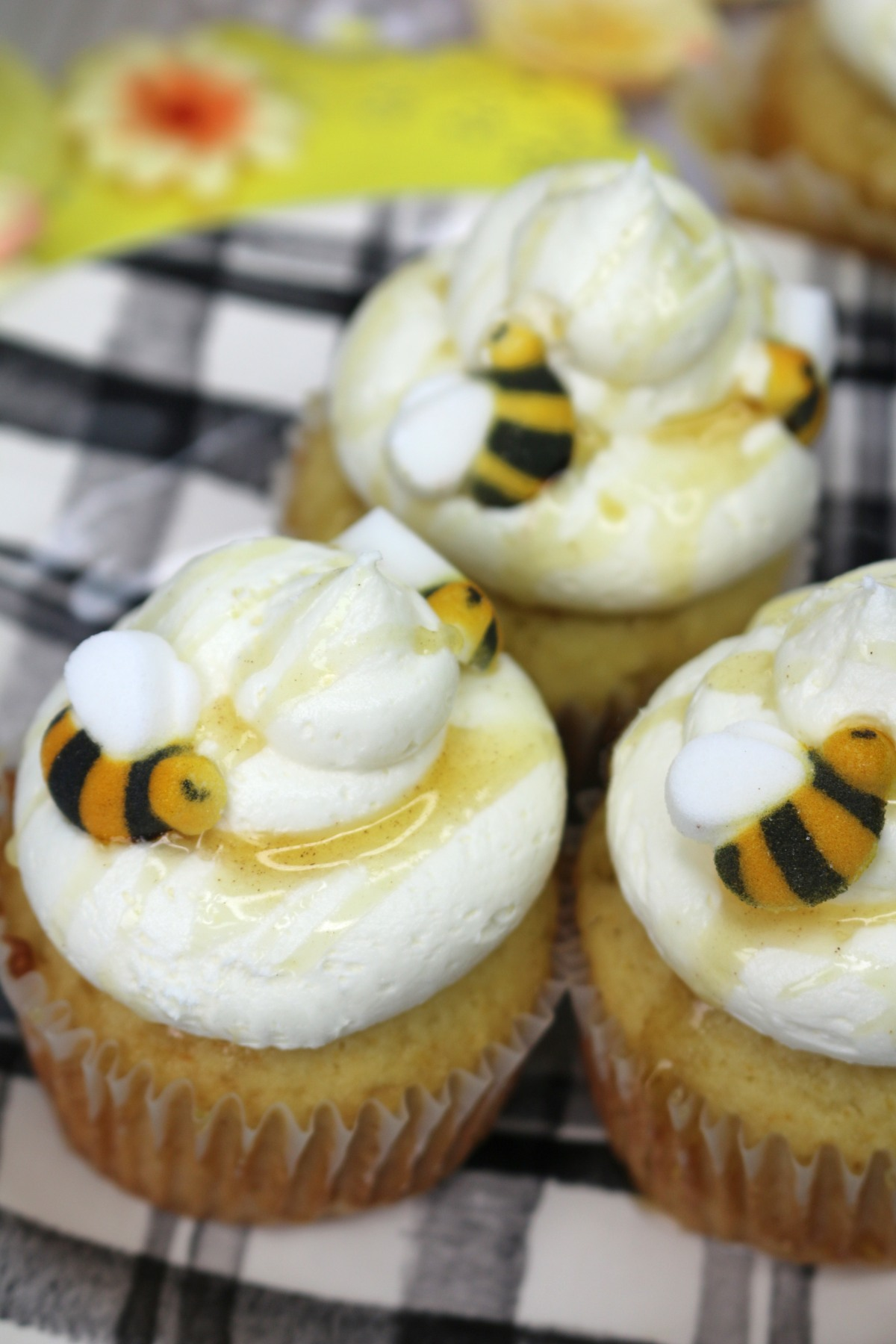 honey-cupcake