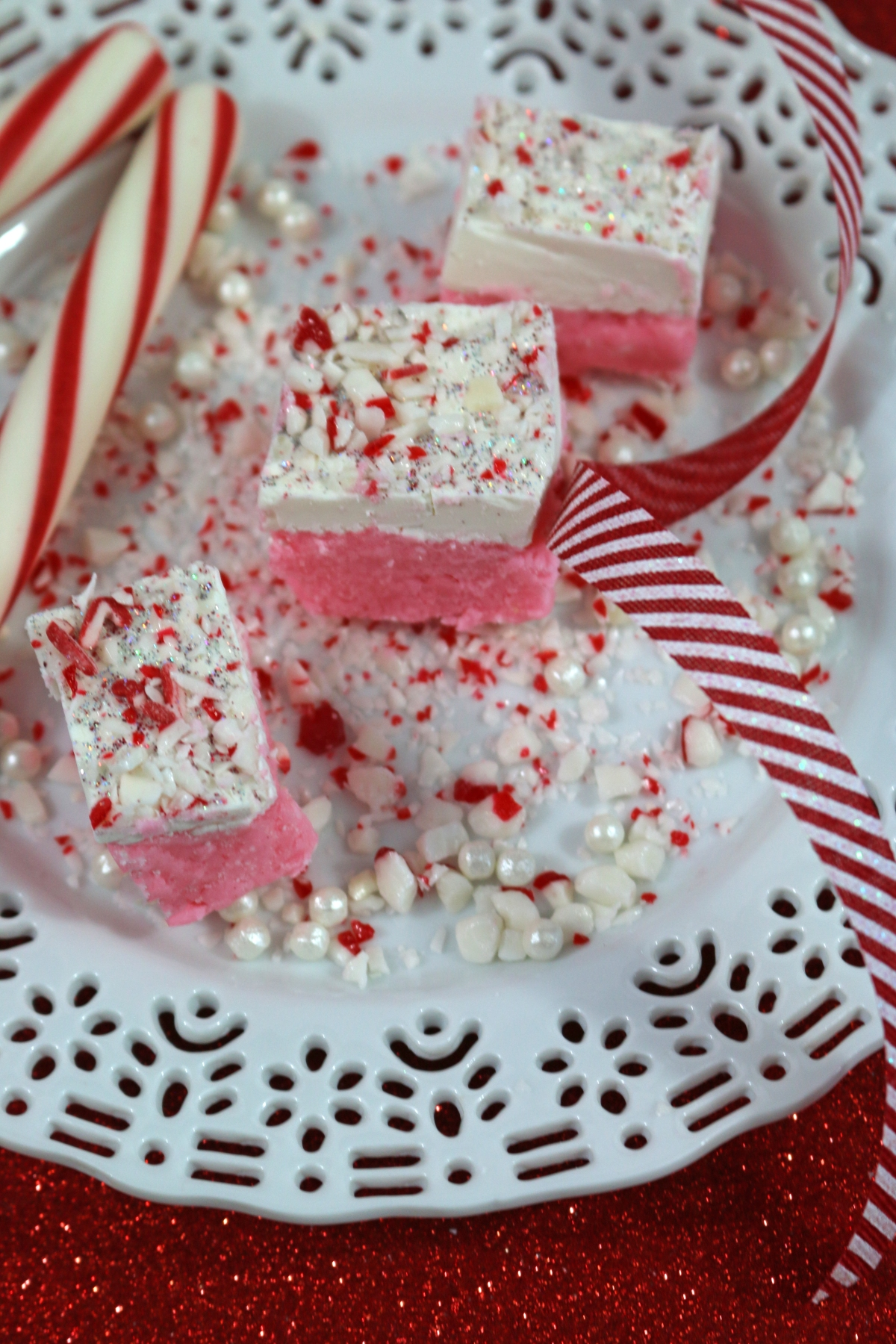 candy-cane-fudge-top
