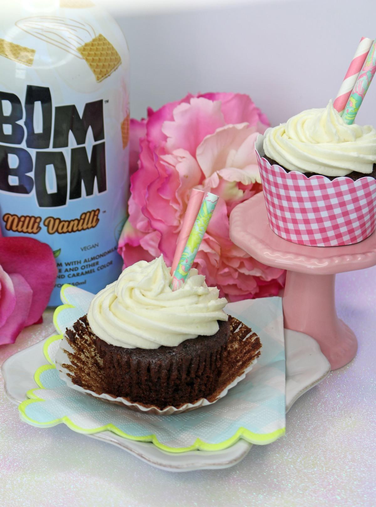 side-cupcake