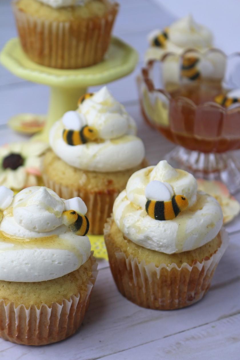 close-honey-cupcakes