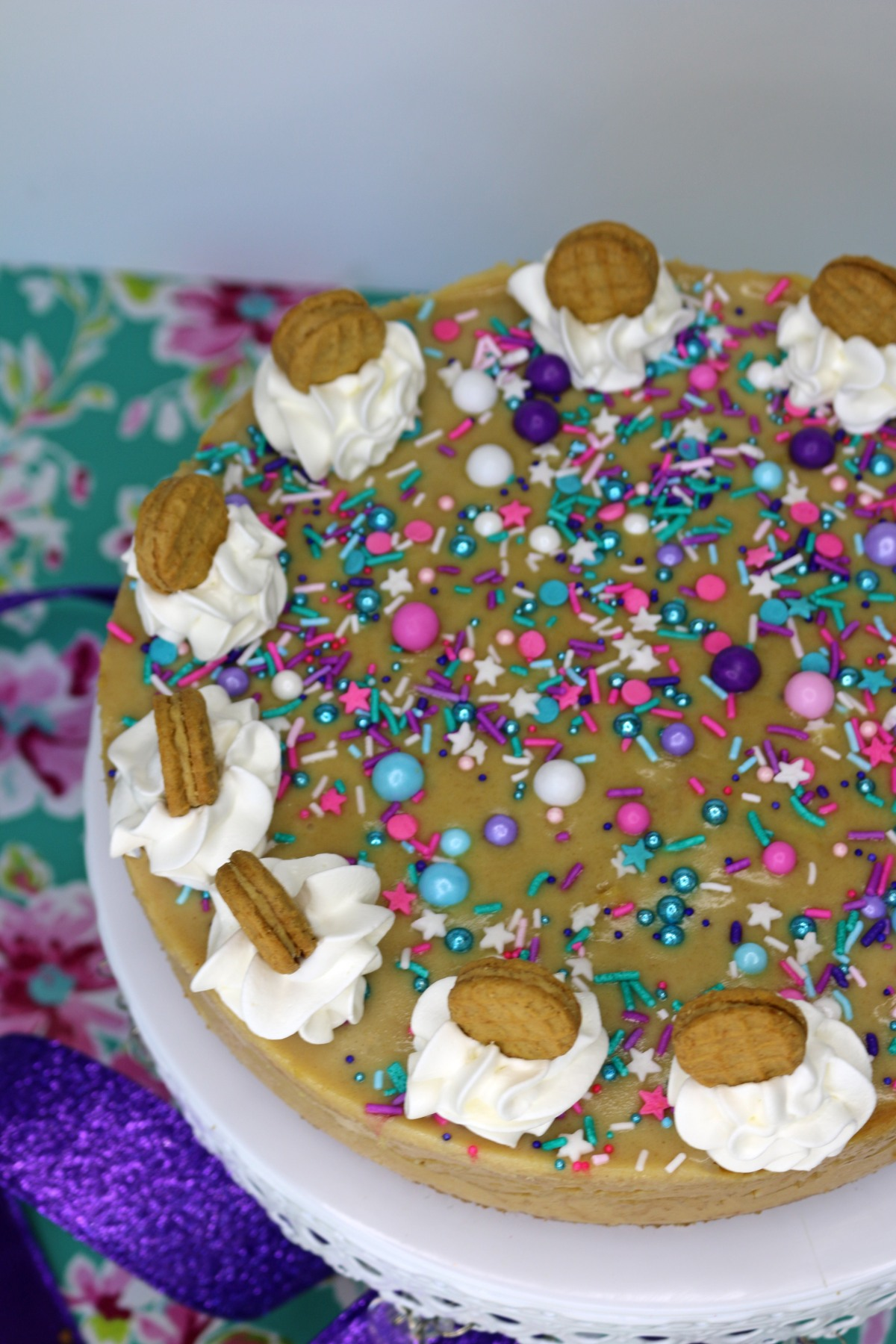 side-cookie-cake